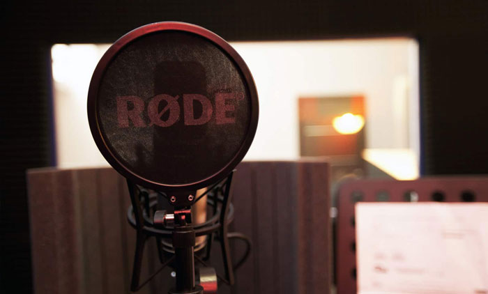 Noleggio sala registrazione, speaker per doppiaggio e spot