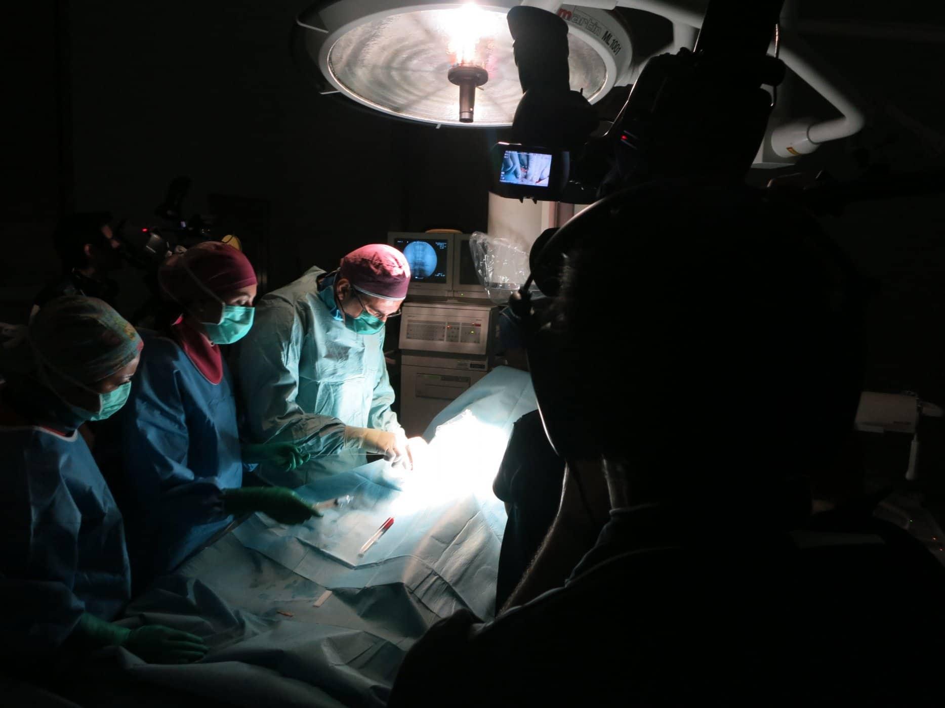riprese-mediche-interventi-chirurgici-videoproduzione-postproduzione (5)