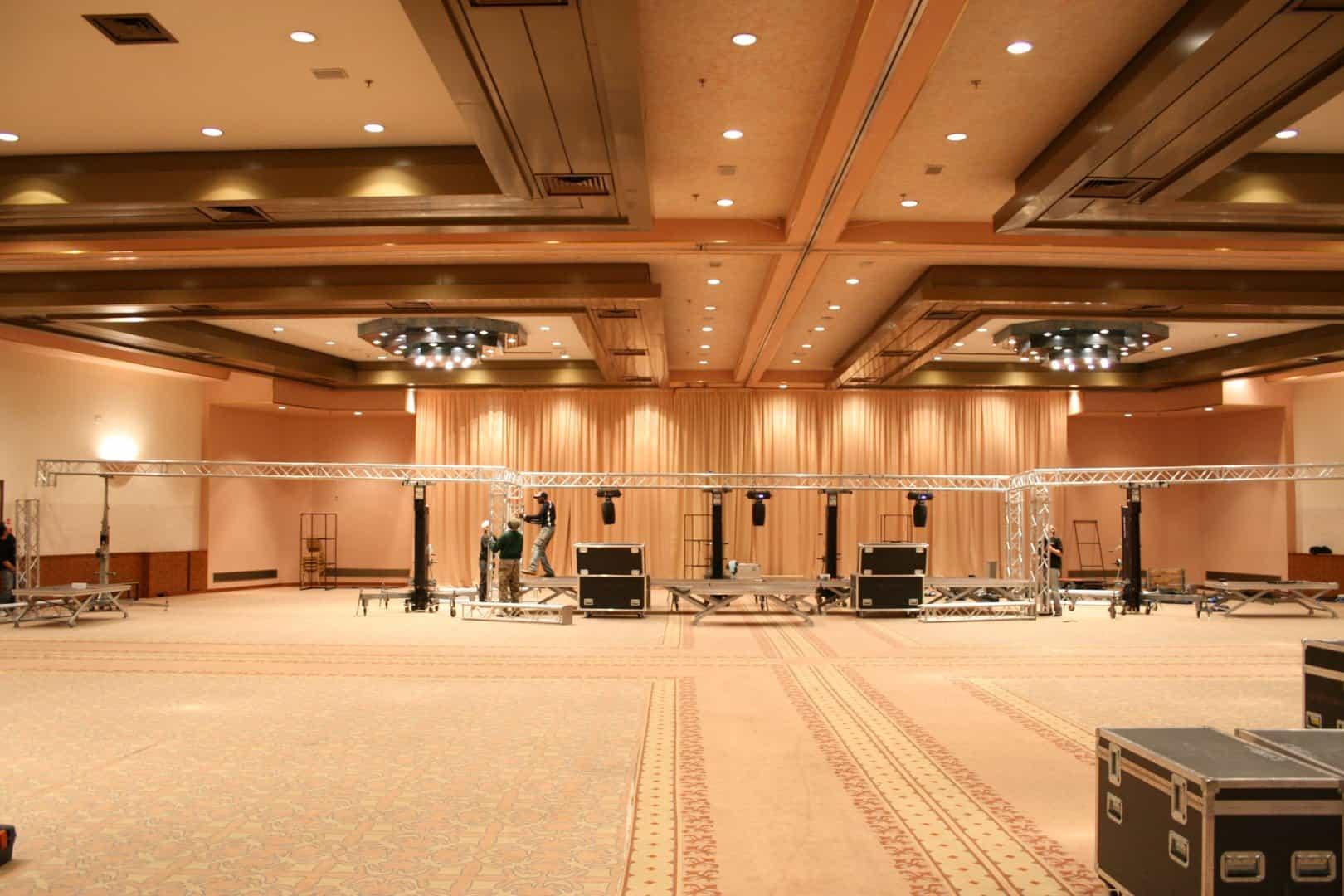 service-audio-video-luci-per-eventi-manifestazioni-sfilate-comizi-indoor-outdoor-installazioni (11)