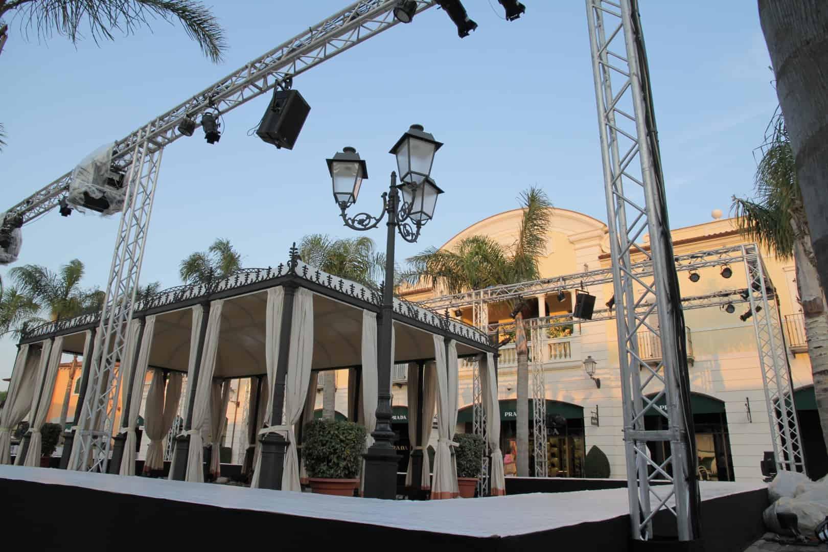 service-audio-video-luci-per-eventi-manifestazioni-sfilate-comizi-indoor-outdoor-installazioni (9)