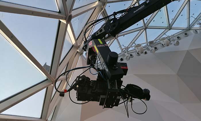 Cine crane per broadcast, eventi e spettacoli