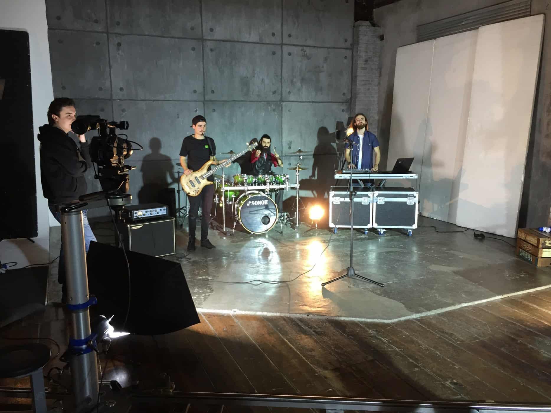 videoclip-musicali-videoproduzioni-postproduzione-band-artisti-emergenti-video-riprese (3)